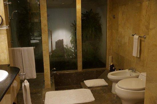 The Oberoi Bali : Bathroom