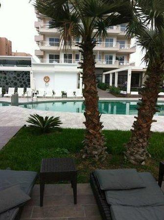 Caballero Hotel: piscine