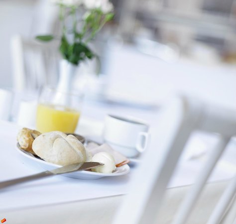 Copenhagen Airport Hotel / Dragor Badehotel : Breakfast