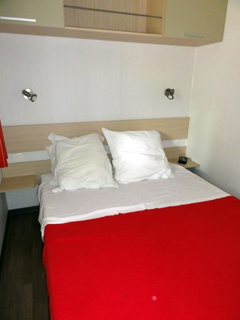 Camping les Coudoulets : Chambre