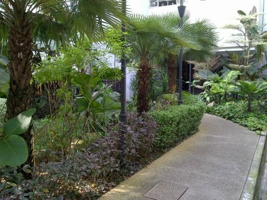 RELC International Hotel : RELC - small garden at the back before parking lots