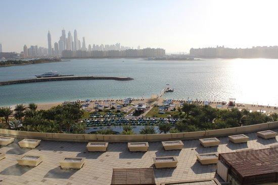 Rixos The Palm Dubai: Вид из номера на залив