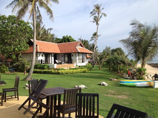 Rawi Warin Resort & Spa : Beach front Villa