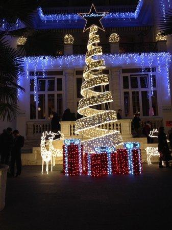 cd0563b42e Decorazioni di Natale al Momò Republic, Roma - Foto di Mò Mò ...