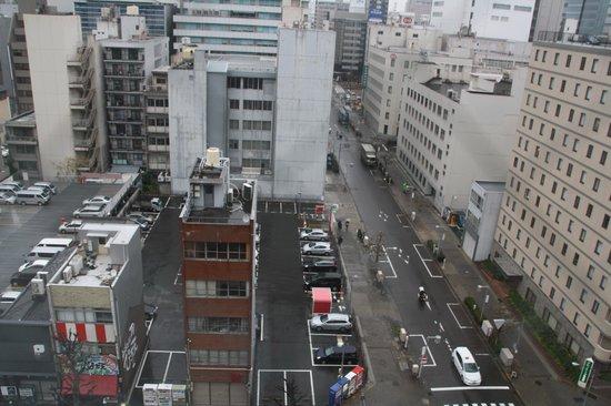 Nishitetsu Inn Nagoyanishiki : aperçu de la chambre par temps pluvieux