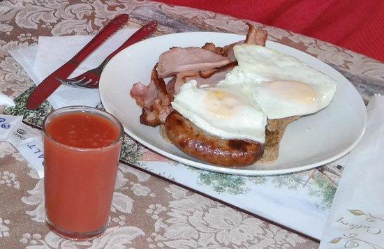 Wintersun Gardens Motel : Breakfast