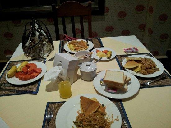Parklane Hotel: Great Buffet Breakfast...