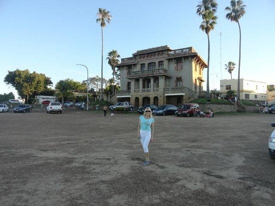Oficina de Turismo de Colon ...cercano a las Termas