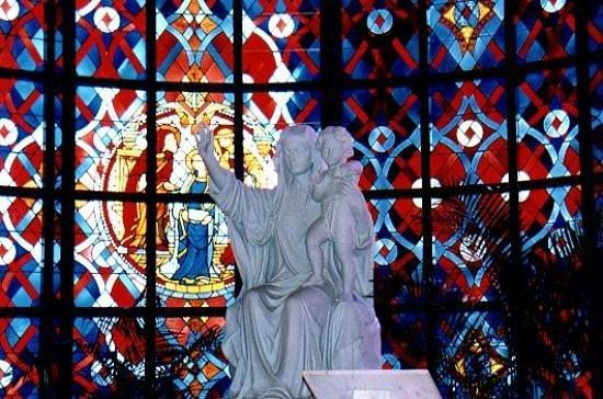 Basilica of Our Lady of Peace : interieur de la basilique
