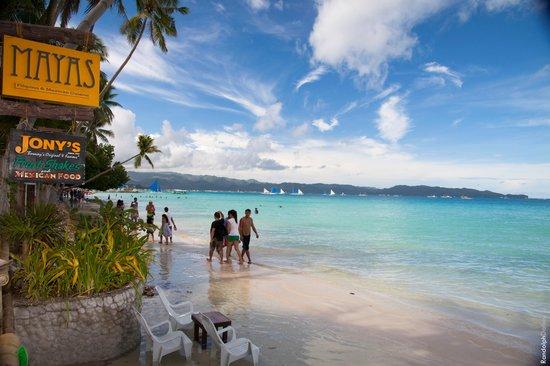 Jony's Beach Resort: Perfect view for breakfast!