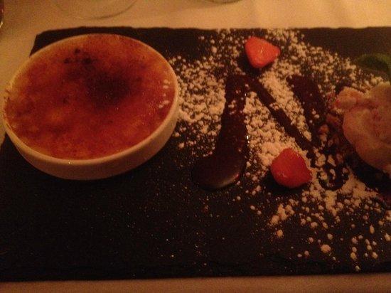 Roly's Bistro: Vanilla Crème Brulee