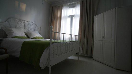 Kuninkaan Kaarre: White room