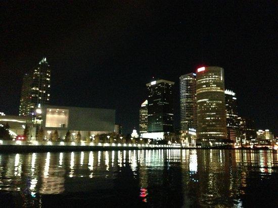 eBoats Tampa: Curtis Hixon