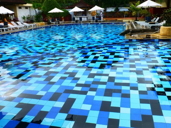 Grand Istana Rama Hotel Bali: pool, highlight of the hotel