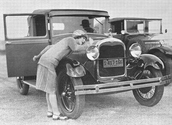 National Automobile Museum : Mary Pickford Cleaning her car