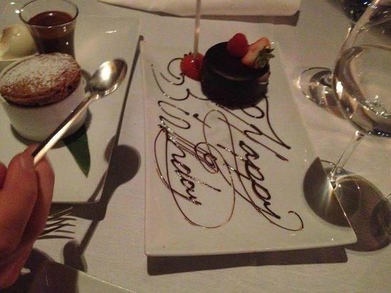 Asiate : tortino di compleanno omaggiata dal ristorante