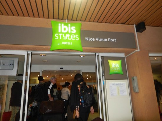 Ibis Styles Nice Vieux Port : Fachada