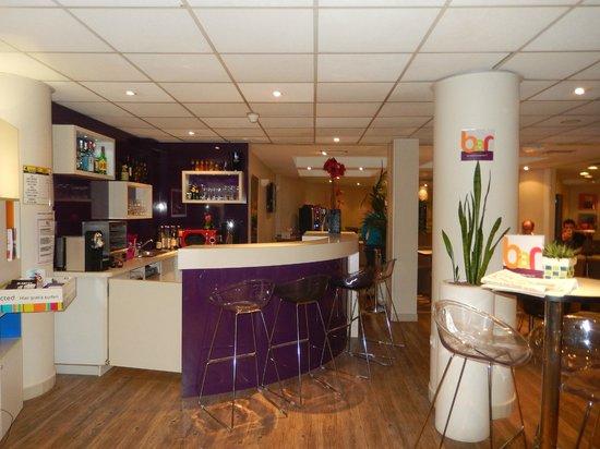 Ibis Styles Nice Vieux Port : Recepção e restaurante