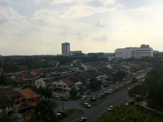 Dorsett Grand Subang: A view of the front street