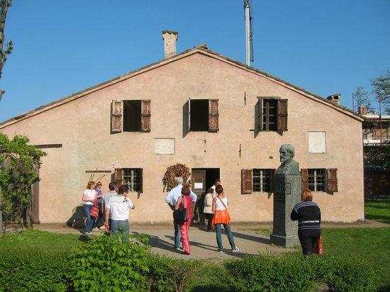 Casa natale di giuseppe verdi picture of casa natale di for Piccoli piani di casa verdi