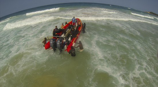 Tofo Scuba: Beach Boat Launch