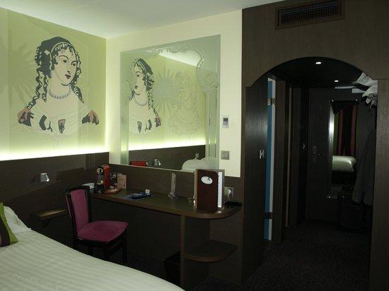 Hotel Roi Soleil Prestige : chambre 102