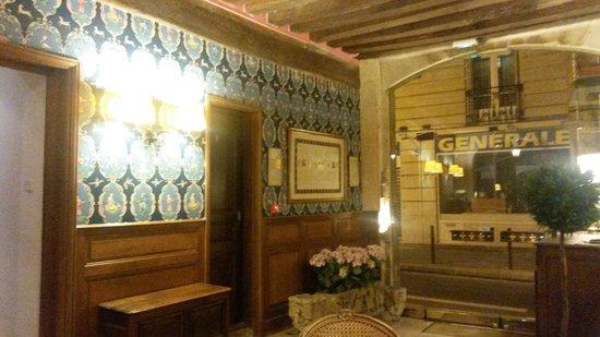 Hotel du Lys : Reception area