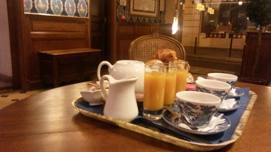 Hotel du Lys : Breakfast
