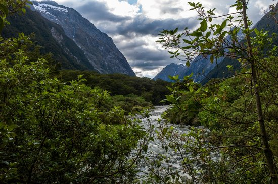 Milford Track : Beautiful valleys