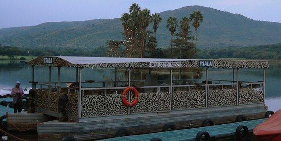 Cabanas, Sun City : Bateau sur le lac
