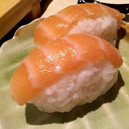 ristorante zen: Nigiri salmone
