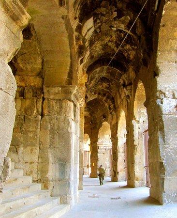Arenes de Nimes: Roman Amphithéâtre Nîmes