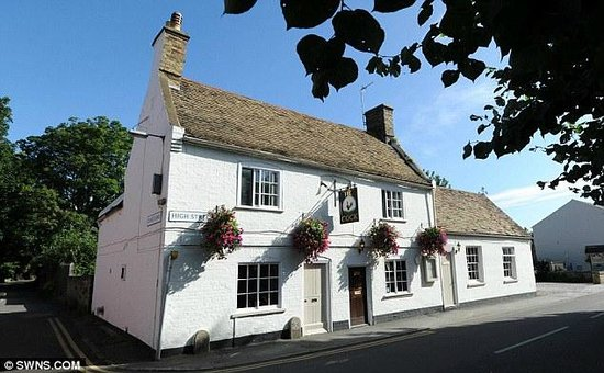 The Thorpe Guesthouse: The Cock , Award winning restaurant in Hemingford Grey