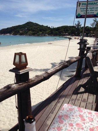 Tommy Resort: la spiaggia dal bar terrazzo