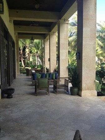 The St. Regis Bahia Beach Resort: Outside sitting facing ocean