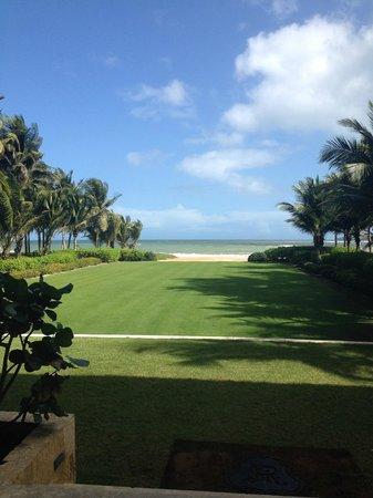 The St. Regis Bahia Beach Resort: Green leading to beach