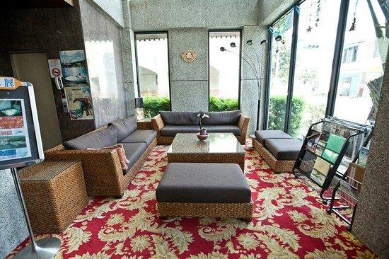 Spring Viva Hotel Pingtung: 客廳