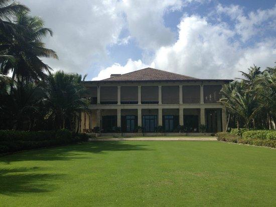 The St. Regis Bahia Beach Resort: Upstairs is dining/downstairs in lobby area