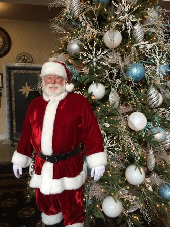 Historic Hotel Bethlehem: A special visitor comes around in December