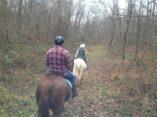 The Conyers House Country Inn & Stable : Riding with Sandra