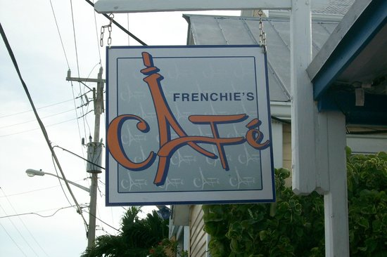 Frenchies Cafe: Great breakfast, get some OJ