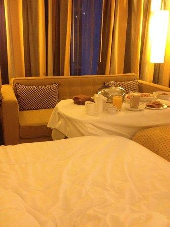 The Fitzwilliam Hotel Belfast: Room service