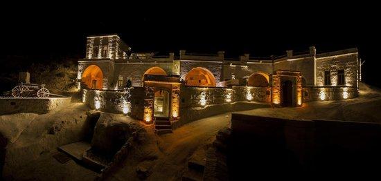 Cavusin, Turkiet: Panorama of Azure Cave Suites