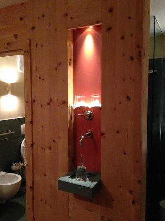 AROSEA Life Balance Hotel: La fontana in camera