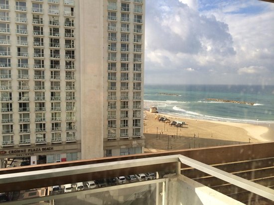 Herods Tel Aviv : bright and early