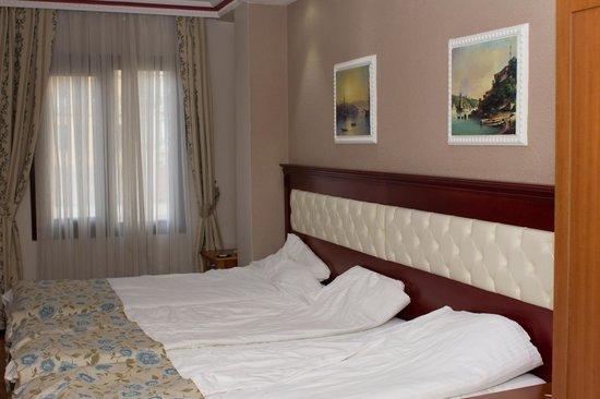 Asur Hotel: 3-х местный номер
