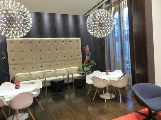 Sixtytwo Hotel: the stylish lounge