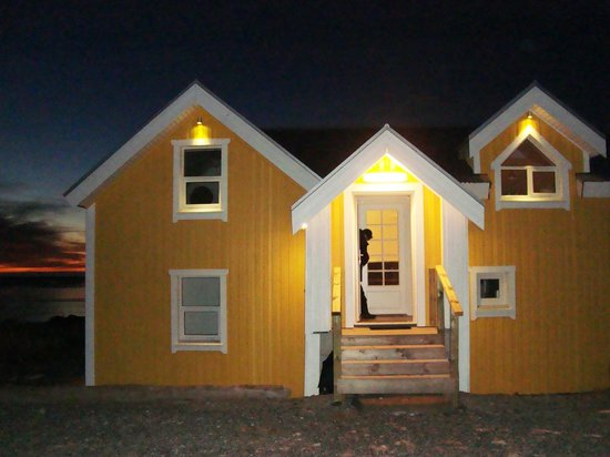 "Hali Country Hotel: the ""yellow house"""