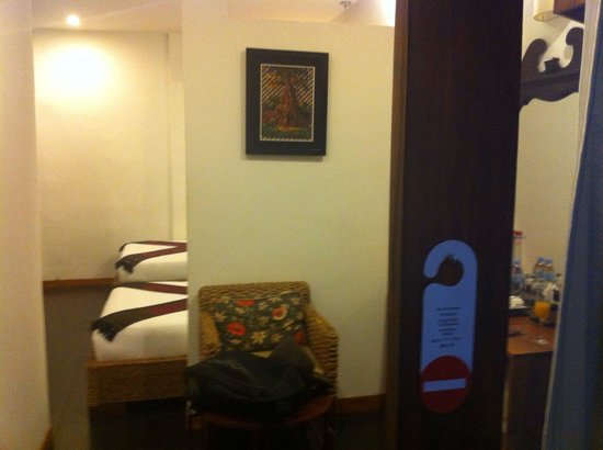 Monsoon Boutique Hotel: Twin room, first level.