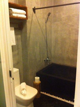 Monsoon Boutique Hotel : Bathroom